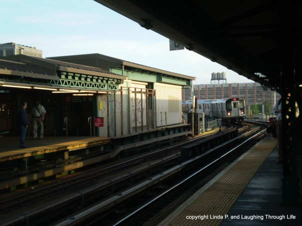 Eastbound 7 train approaching 23 Street/Court Square 5/11/15