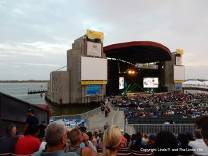 John Oliver - Oddball Concert, Jones Beach Theater, 9-10-16