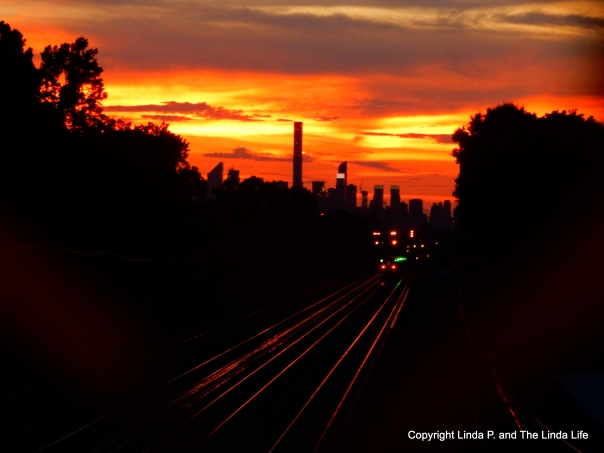 E astbound LIRR at dusk in Queens, August 2016. Copyright www.TheLindaLife.com . Must request permission before use.